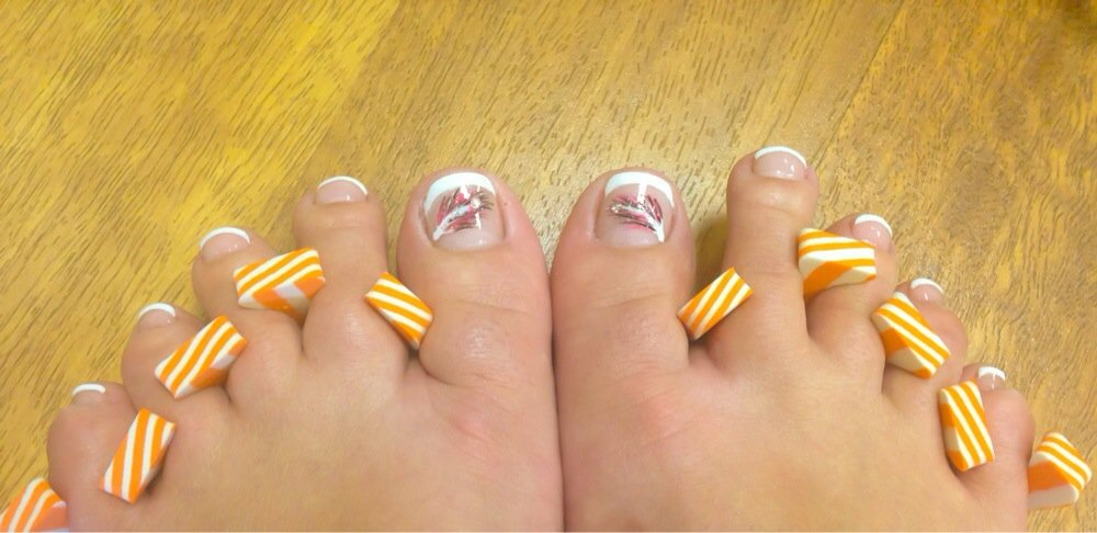 Feather Toe Nail Designs