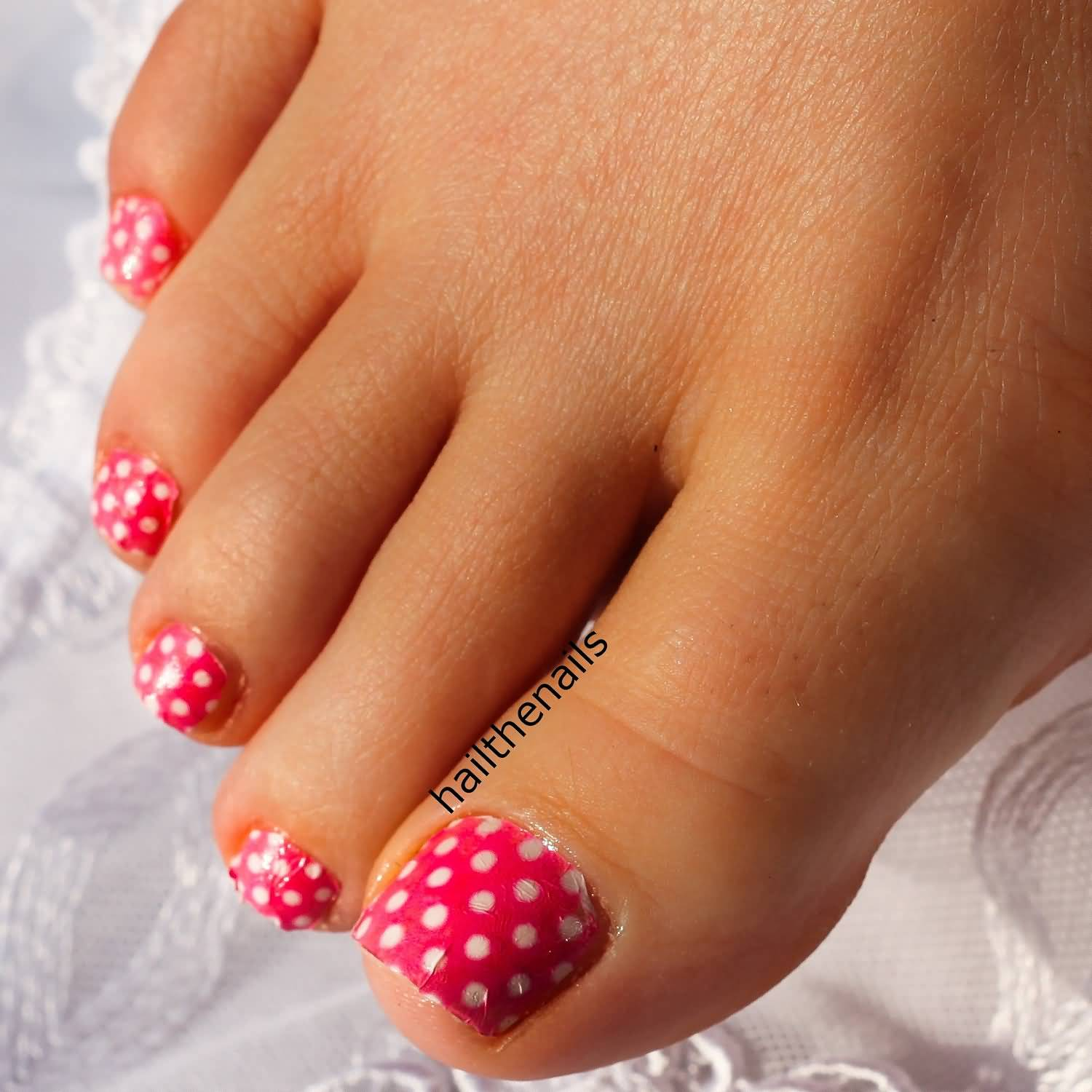 Pink And White Polka Dots Nail Art For Toe