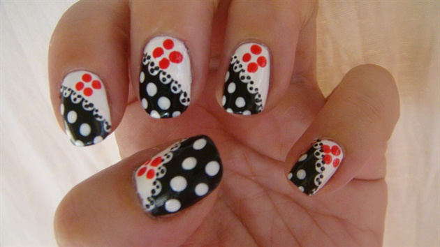Polka Dots Flower Design Nail Art