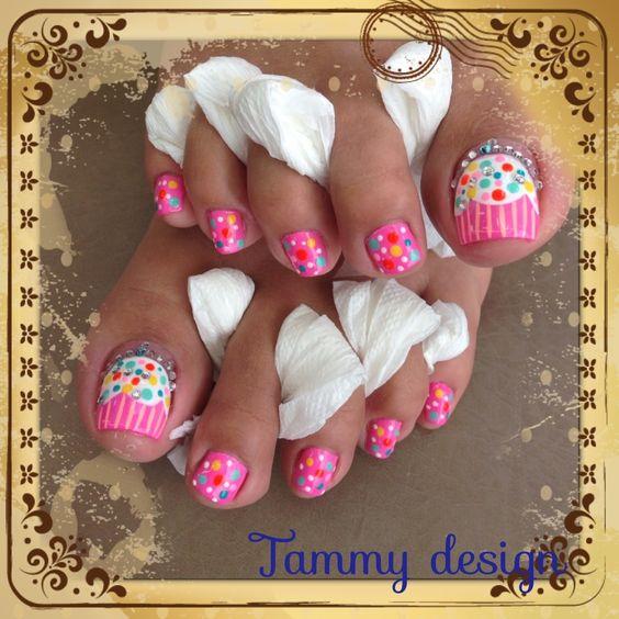 Cupcake Art Design : 8+ Cute Cupcake Nail Art Design For Toe Nails
