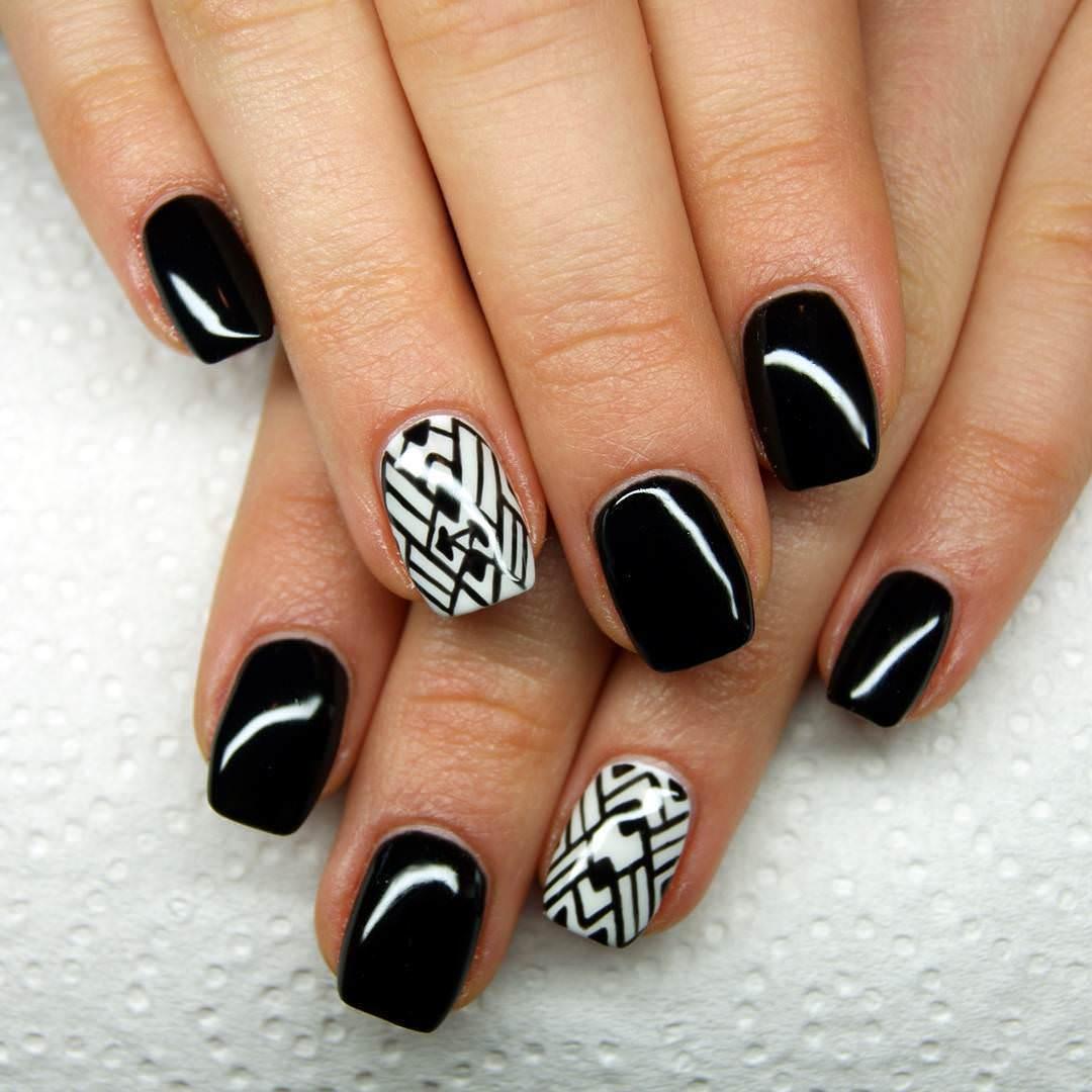 52+ Cool Black Nail Art Designs For Trendy Girls