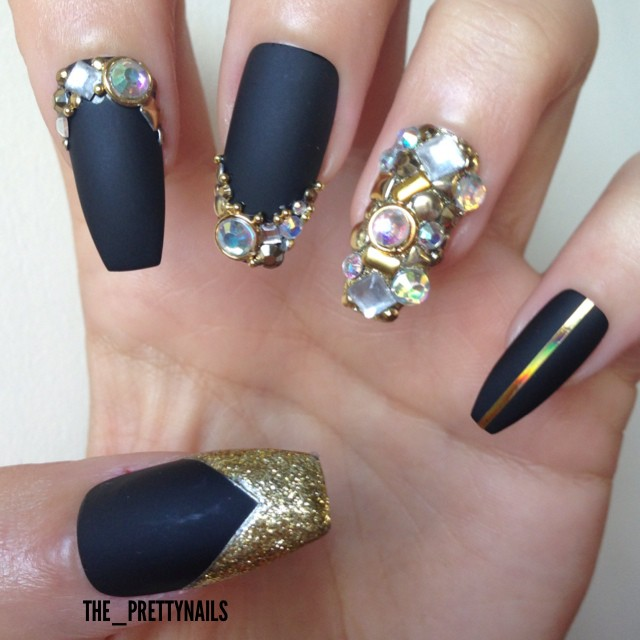 Black matte nails with rhinestones design nail idea - Cute Junk Nail Designs ~ Nail Cute Nails Weddbook