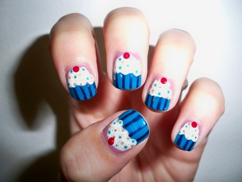 - Blue Stripes Cupcake Nail Art For Short Nails