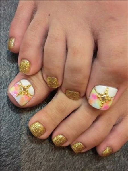 Gold Glitter Wedding Toe Nail Art