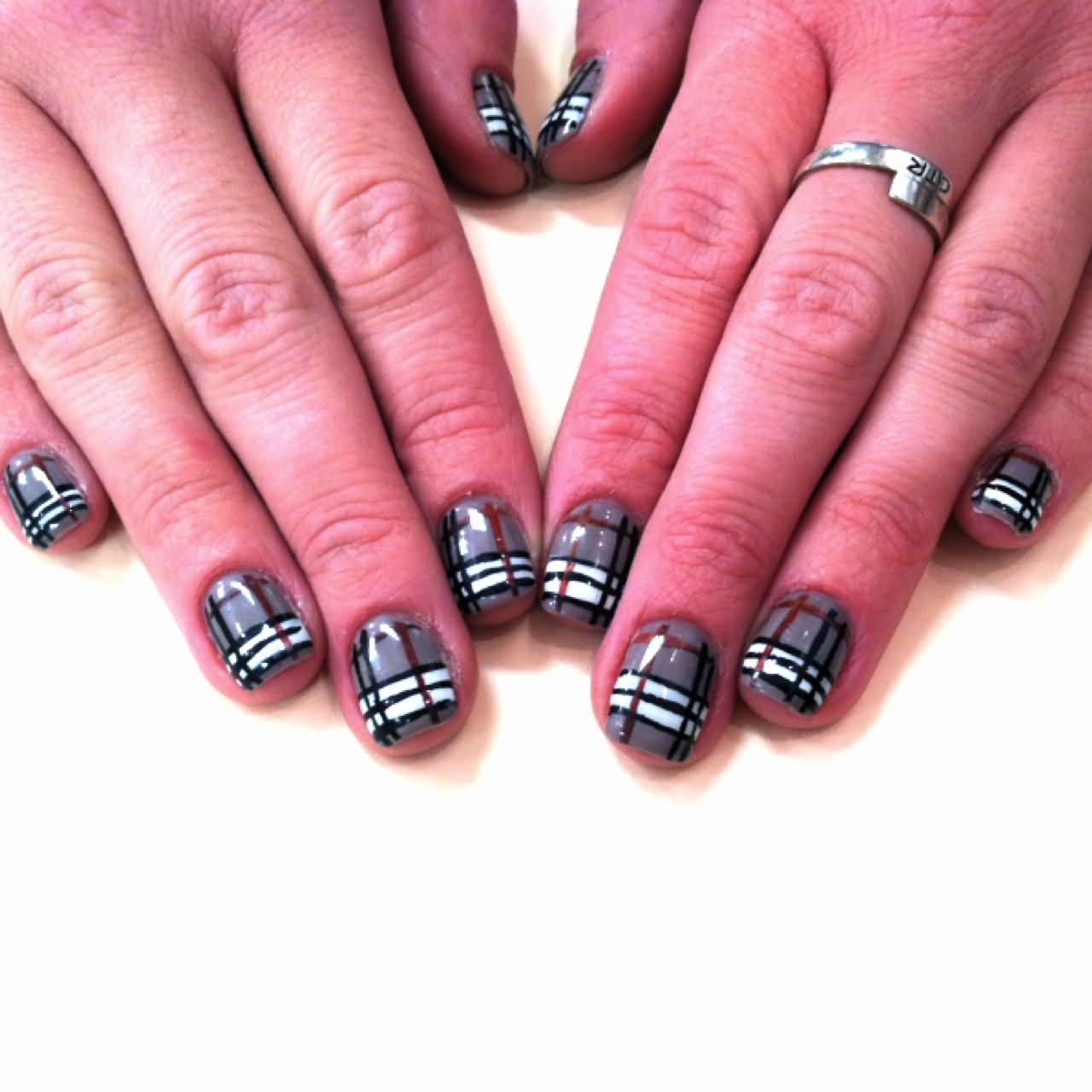 Top 50+ Most Stylish Burberry Print Nail Art Design Ideas WQ75
