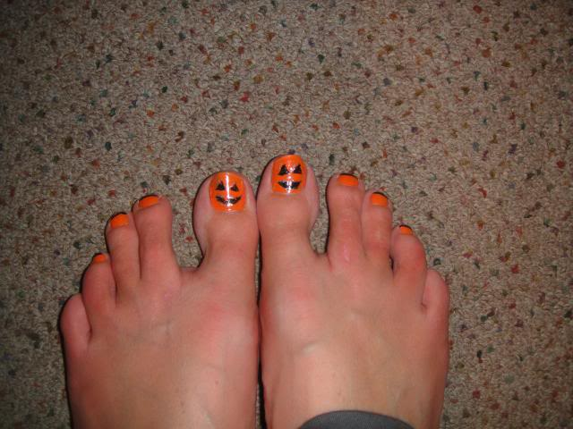 Halloween Toe Nail Design - 25+ Best Halloween Toe Nail Art Designs