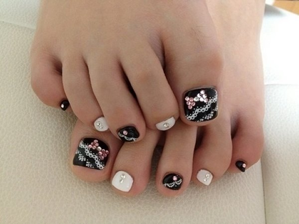 Lace And Rhinestones Bow Wedding Toe Nail Art