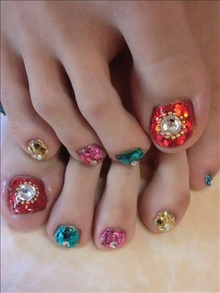 Multicolored Wedding Toe Nail Art With Pearls Design