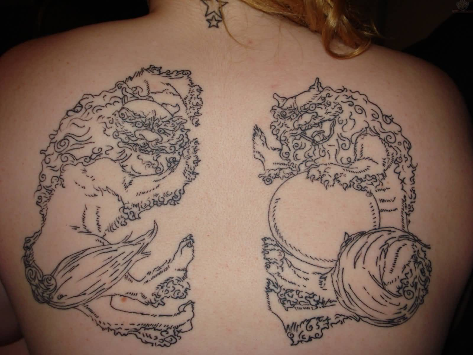 Nicely Designed Foo Dog Tattoo On Upper Back