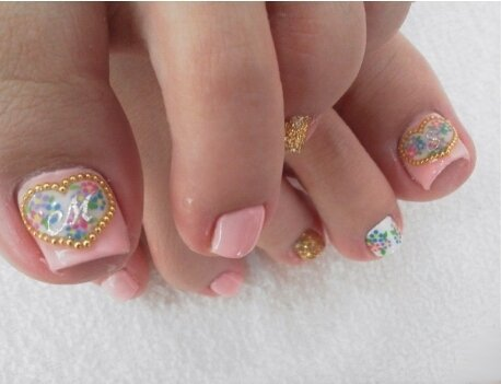 Pink Toe Nails With Heart Design Of Gold Caviar Beads Wedding Nail Art