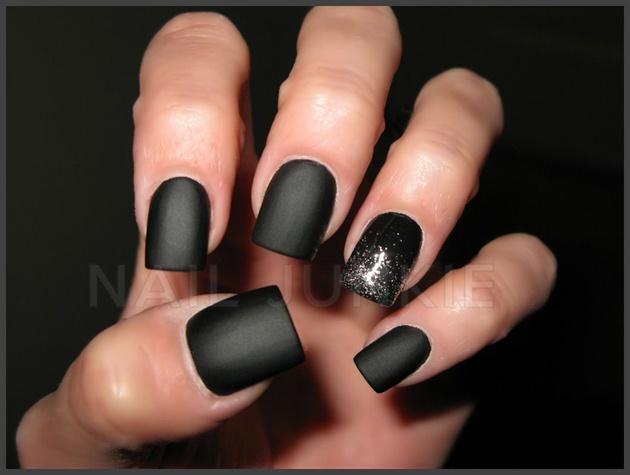 Simple Black Matte Nail Design Ideas - 45+ Beautiful Black Matte Nail Art Designs