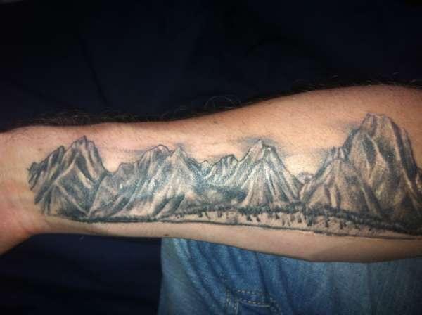 50b927292 Simple Mountains Tattoo On Arm Sleeve