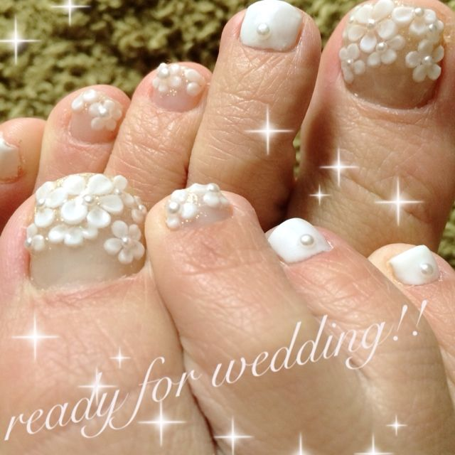 White 3d Flowers Wedding Toe Nail Art