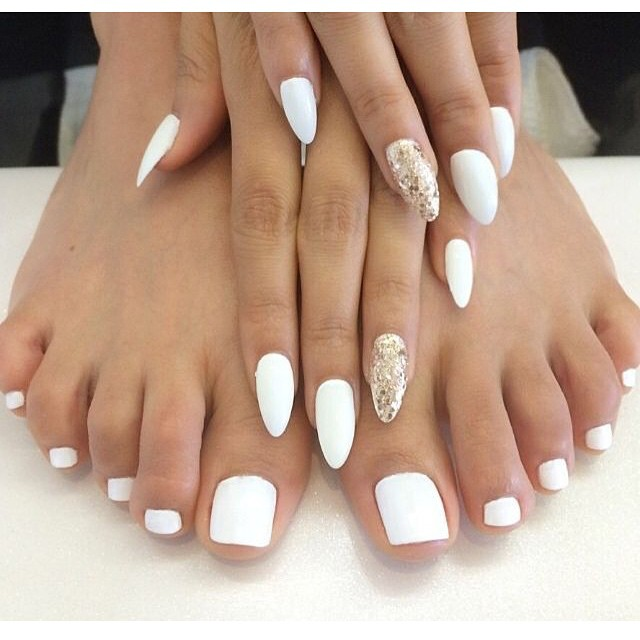 White Matte Wedding Toe Nail Art Design Ideas