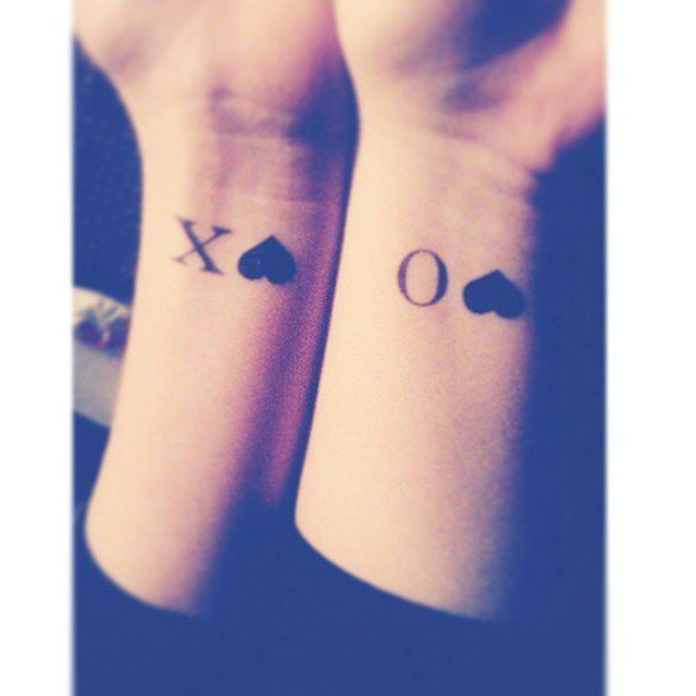 58+ Matching Wrist Tattoos Ideas