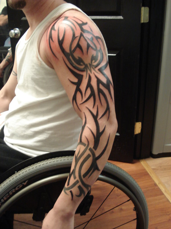 32 amazing tribal sleeve tattoos for Tribal sleeve tattoos for men designs