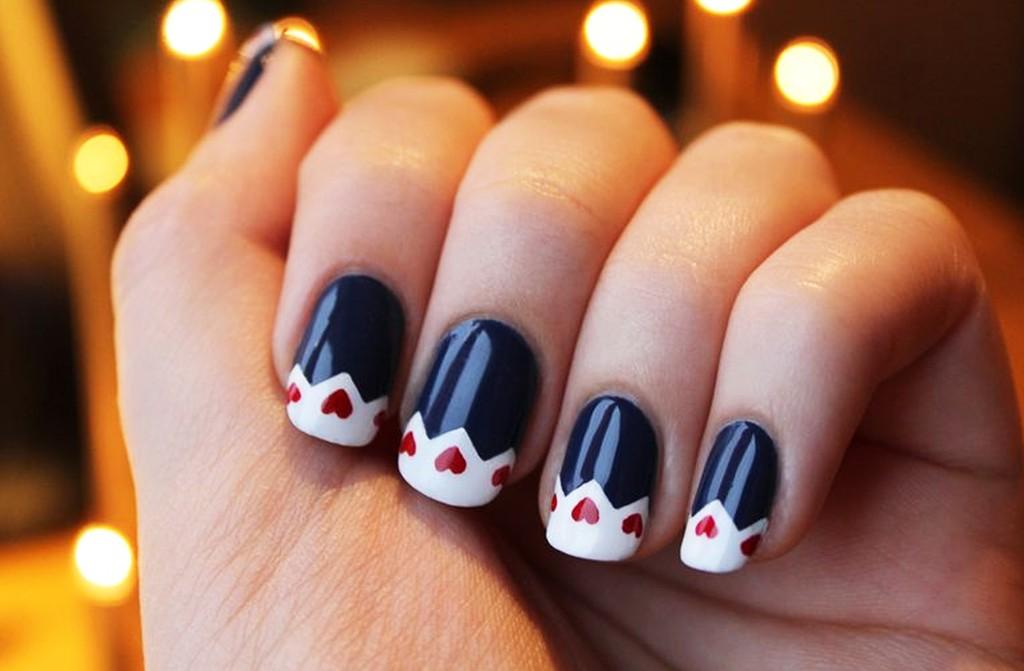 50 Latest Winter Nail Art Design Ideas - Chick Looking Winter Nail Art Design Paint Your Nails In Blue