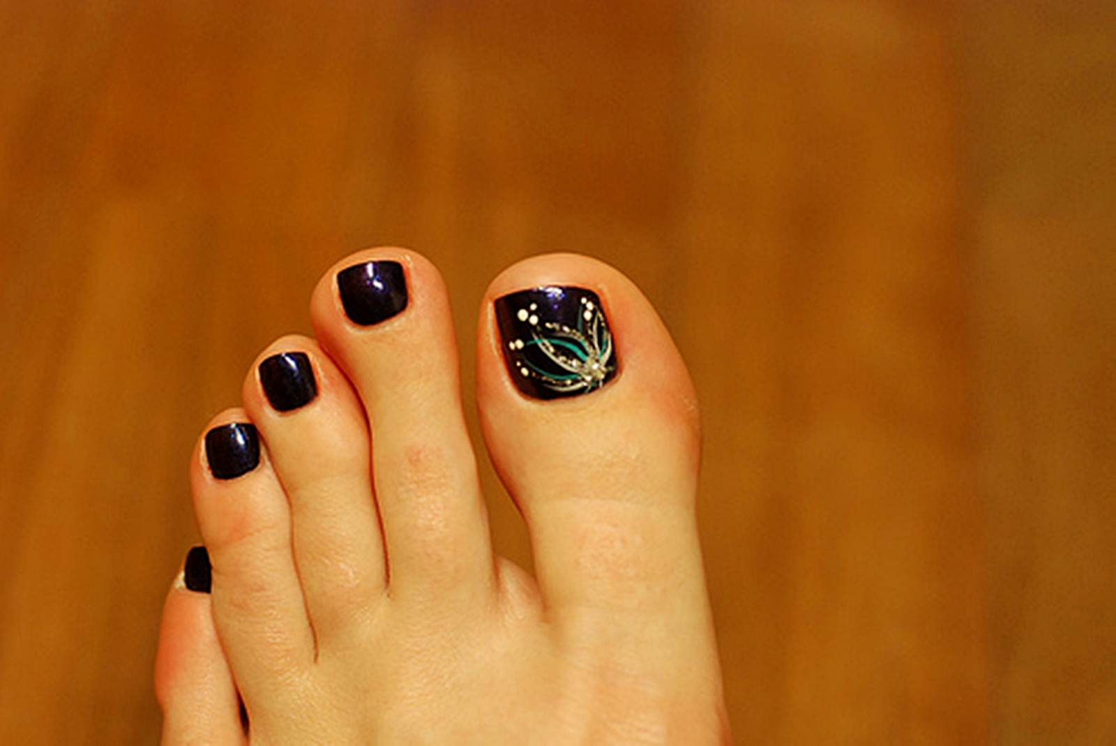 55 latest toe nail art designs black toe nails with flowers design nail art prinsesfo Image collections