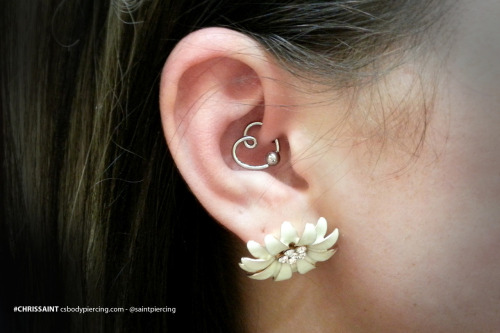 28 Awesome Heart Daith Piercings