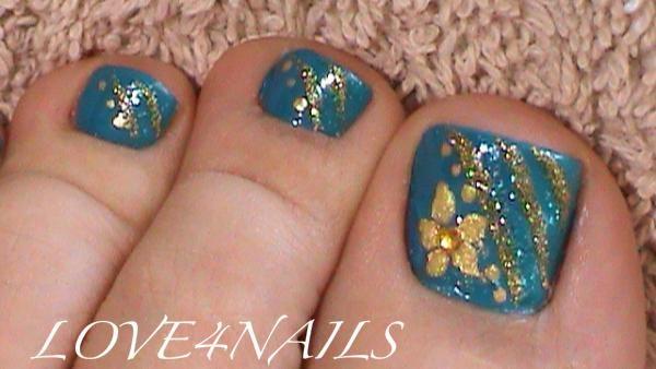 Toe art nail design image collections nail art and nail design ideas 60 most beautiful toe nail art design ideas green nails with gold glitter stripes toe nail prinsesfo Image collections