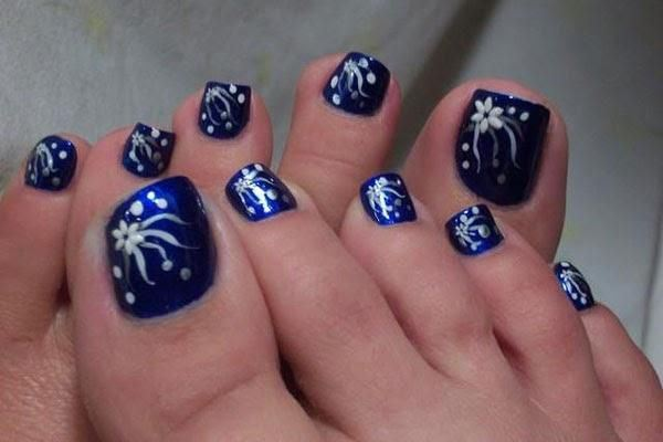 Navy blue nails with white flowers toe nail art prinsesfo Gallery