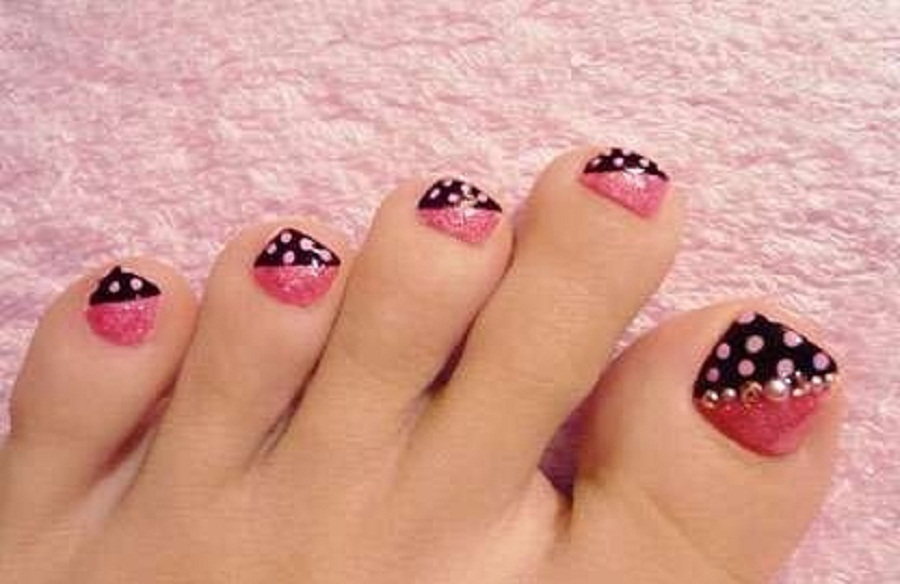 40 pink toe nail art design ideas pink and black dots design toe nail art prinsesfo Choice Image
