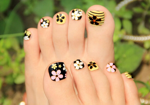 Toe nail art designs flowers image collections nail art and nail 50 best toe nail art design ideas for girls stripes and flowers toe nail art design prinsesfo Images