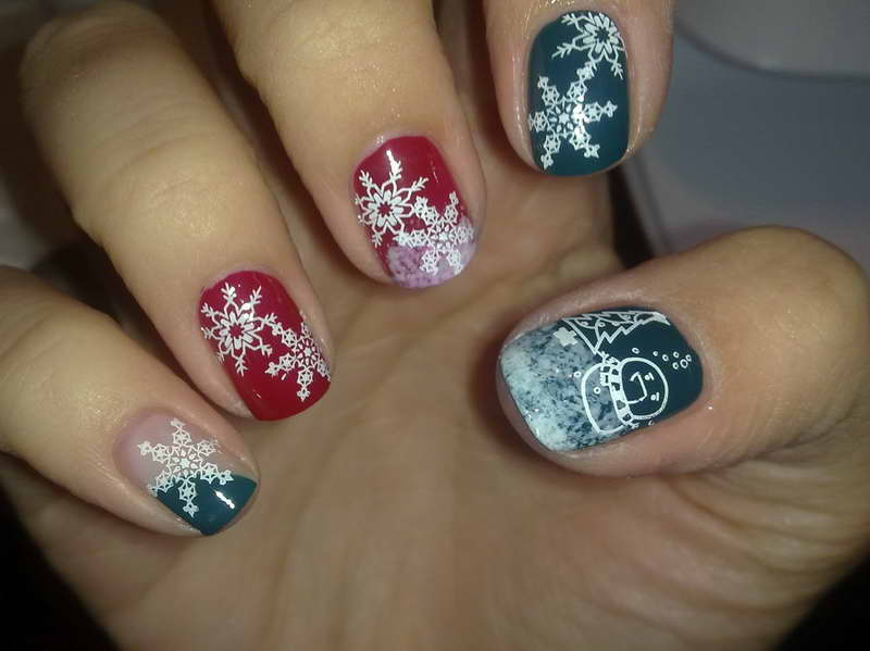 40 most beautiful nail art design ideas for winter white snowflakes winter nail art prinsesfo Gallery