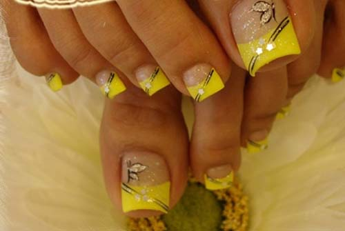 yellow tip toe nail art design idea
