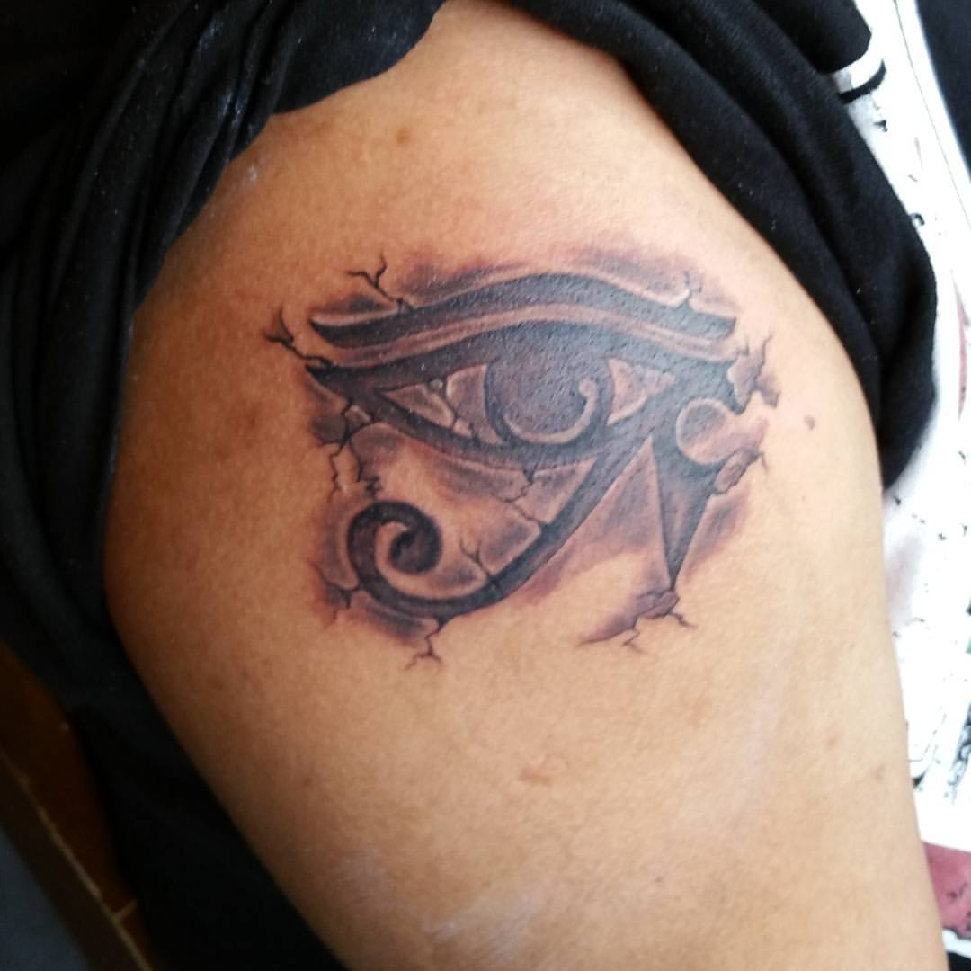 eye of horus and eye of ra