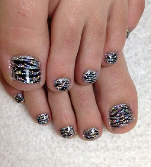 Black And Silver Glitter Zebra Print Toe Nail Art - 50+ Best Toe Glitter Nail Art Design Ideas