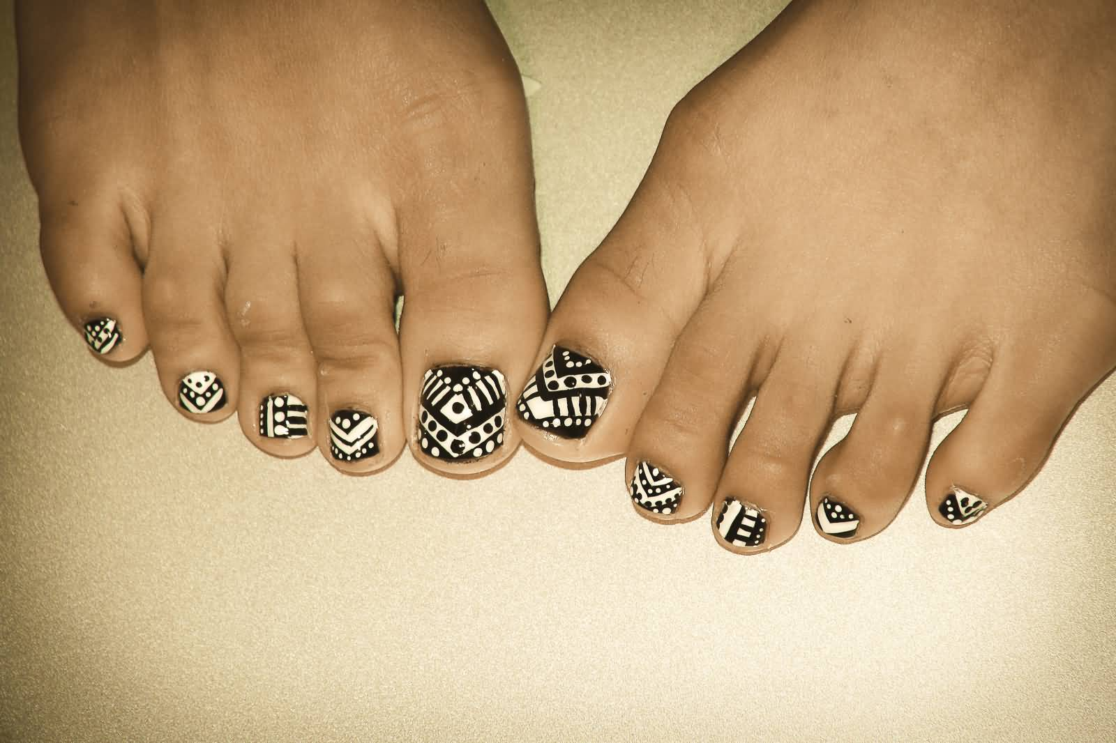 18 tribal nail art designs for toe nails black and white tribal nails design idea for toe nails prinsesfo Image collections
