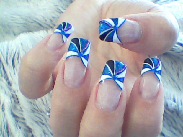 Blue French Tip Spiral Design Nail Art