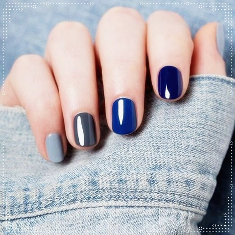 Blue Glossy Nails Art