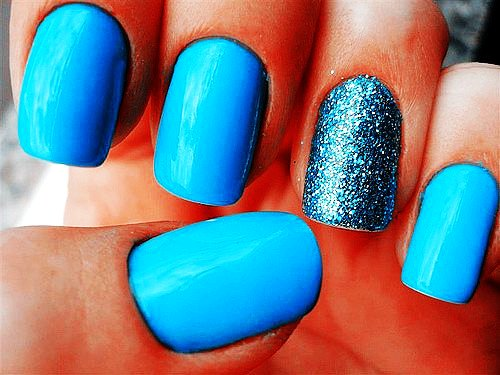 Blue Nails With Accent Glitter Design