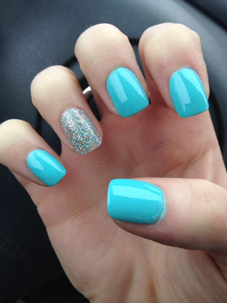 Cute And Simple Light Blue Nails With Accent Glitter Nail Art - 65 Most Stylish Light Blue Nail Art Designs
