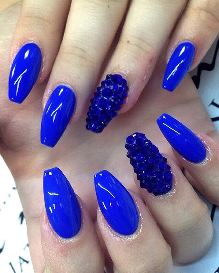 Glossy Royal Blue Nails With Accent Caviar Beads Design - 81 Cool Royal Blue Nail Art Design Ideas For Trendy Girls