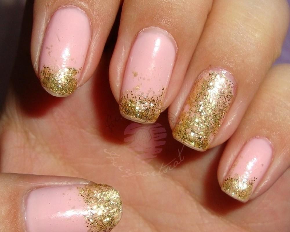 Gold Glitter Nail Art On Baby Pink Nails - 52+ Classic Glitter Nail Art Design Ideas For Trendy Girls