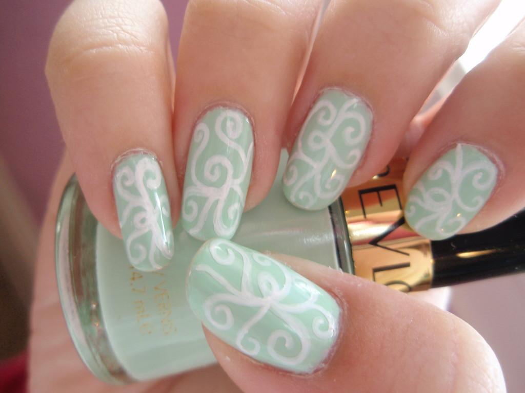 60+ Most Beautiful Spiral Design Nail Art Ideas