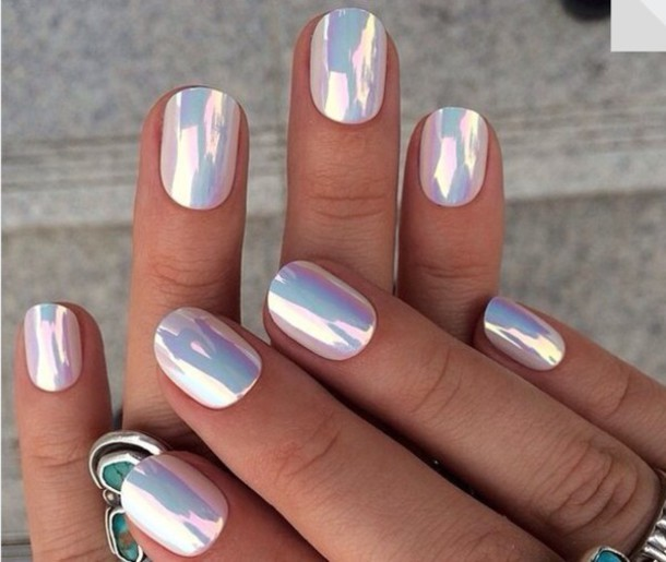 30+ Cool Hologram Nail Art Designs