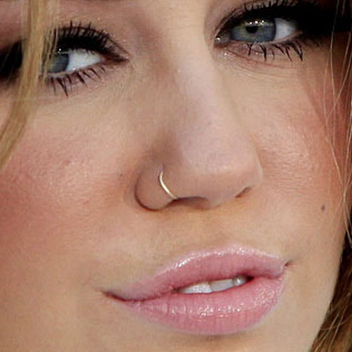 Miley Curus Have Nostril Piercing With Gold Nose Ring