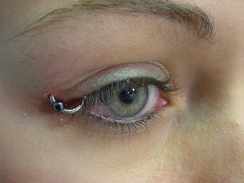 Eyelid Piercing Bead Ring Eyeli...