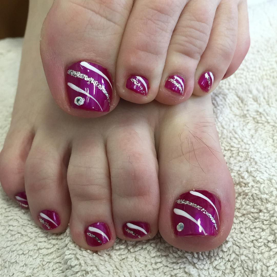 Purple Glossy Toe Nails With Silver Glitter Stripes Design Nail Art - 50+ Best Toe Glitter Nail Art Design Ideas