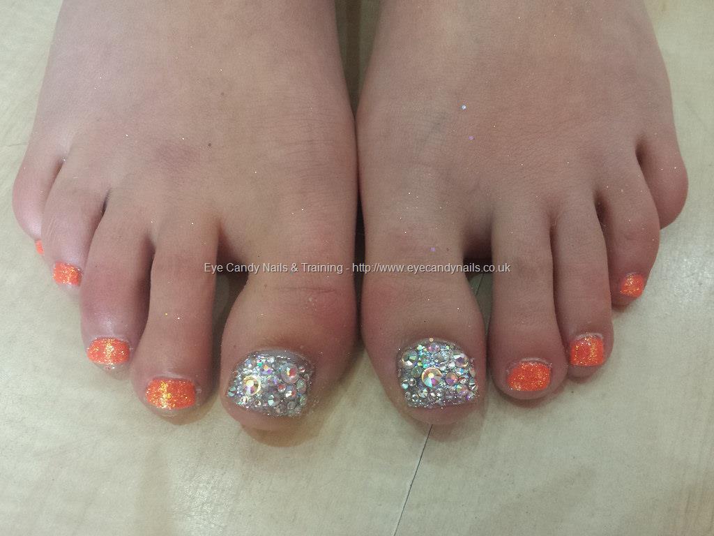 50 Best Toe Glitter Nail Art Design Ideas