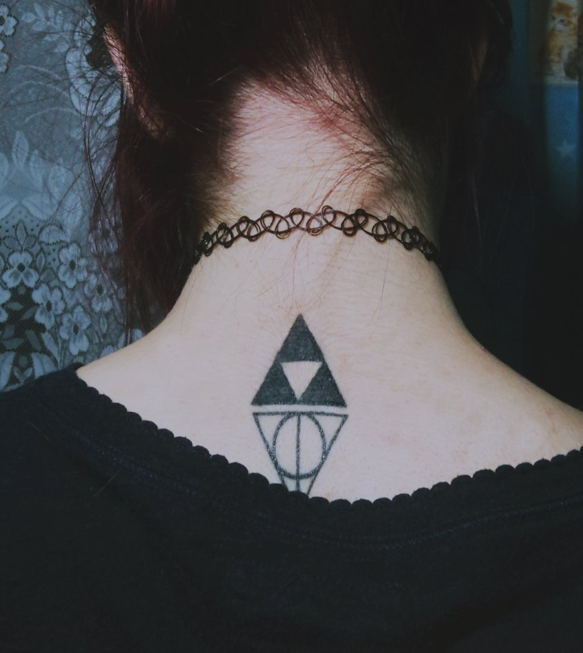 Small triforce uv tattoo on hand by xl jerilynn lx for Triforce hand tattoo