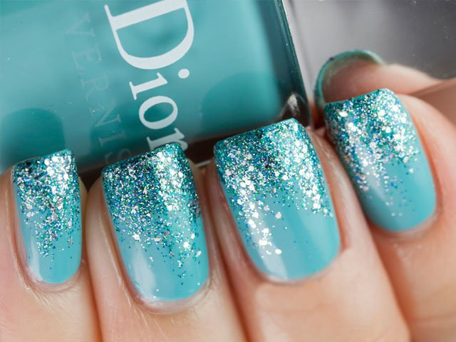 Turquoise Glitter Nail Art Design Idea