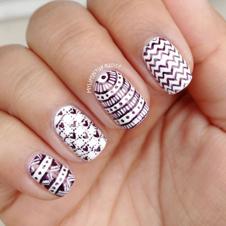 Abstract Pattern Nail Design Idea