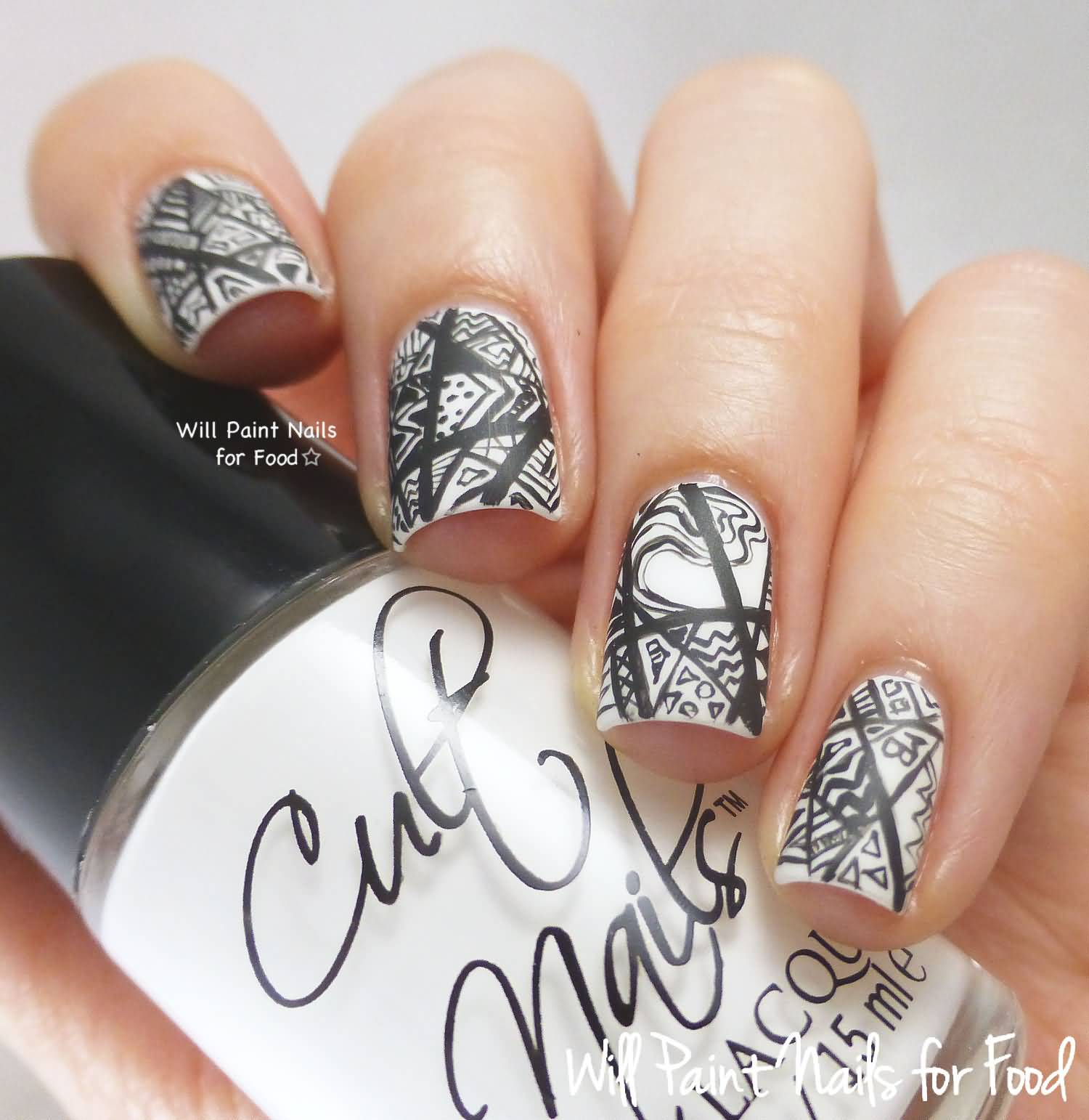 55+ Most Amazing Black And White Nail Art Design Ideas