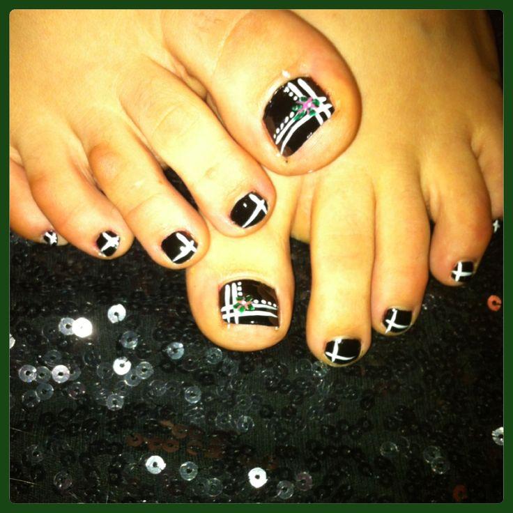 Black And White Stripes Design Toe Nail Art - 60+ Stylish Black And White Nail Art Designs For Toe Nails