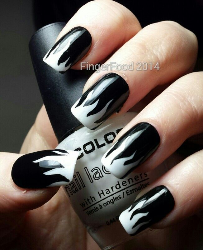 60+ Latest Black And White Nail Art Design Ideas